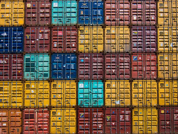Wildfly als Cluster mit Docker: verschiedenfarbige Container dicht an dicht gestapelt