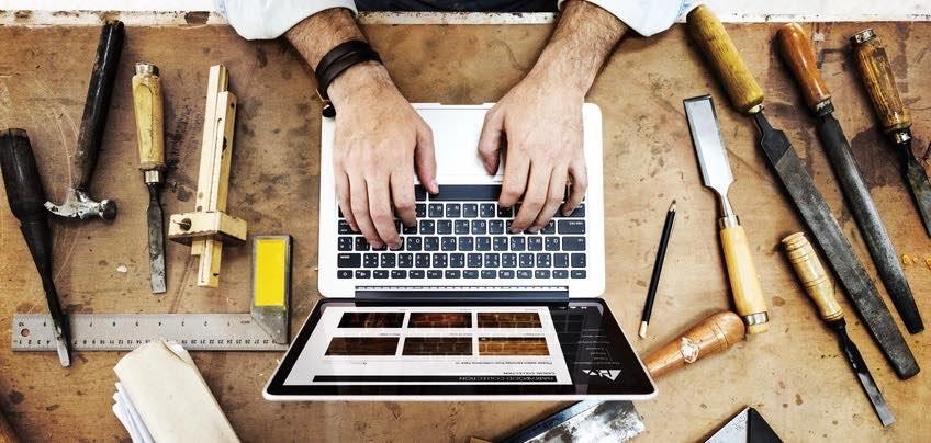 software-craftsmanship-working-laptop
