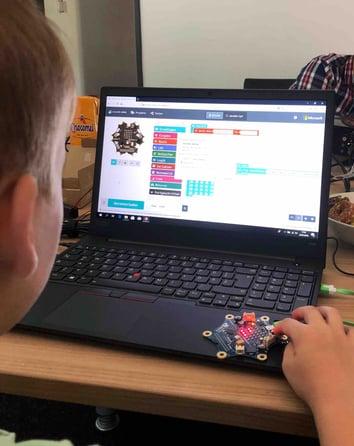 kinder-programmieren-lernen-lünen-laptop-calliope