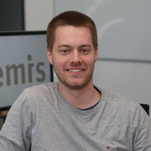 Jonathan Thöne